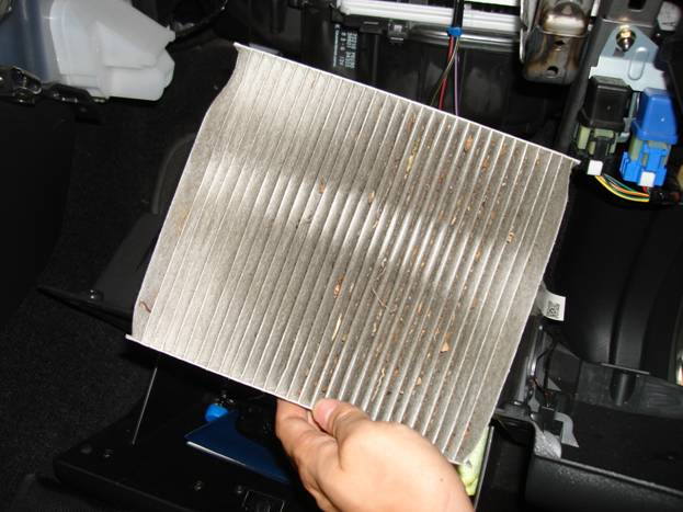 C:\Documents and Settings\Paulk\Desktop\Flex Innovations\Installs\Cabin Air Filter\DSC02742.JPG